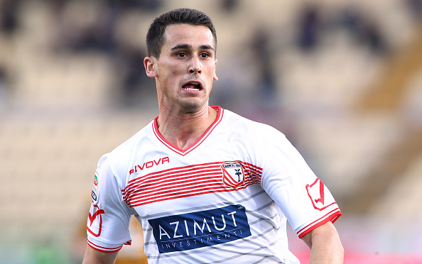 MODENA, ITALY - NOVEMBER 01: Kevin Lasagna of Carpi FC looks on during the Serie A match between Carpi FC and Hellas Verona FC at Alberto Braglia Stadium on November 1, 2015 in Modena, Italy. (Photo by Marco Luzzani/Getty Images)